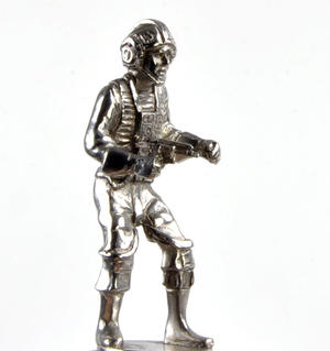 Rebel and Imperial Pilot  - Rook Star Wars Chess Pieces by Royal Selangor Thumbnail 6