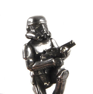 Rebel Trooper and Stormtrooper  - Pawn Star Wars Chess Pieces by Royal Selangor Thumbnail 4
