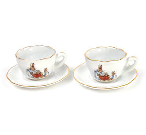 Beatrix Potter Peter Rabbit & Family Tea Set in Hatbox Thumbnail 2