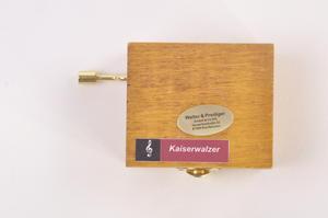 Wooden Mini Music Box - Art & Music - Renoir - Two Sisters on the Terrace & Strauss - Kaiserwaltzer Thumbnail 3