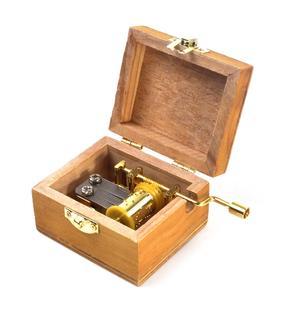 Wooden Mini Music Box - Art & Music - Klimt - The Kiss & As Time Goes By / Casablanca Thumbnail 3
