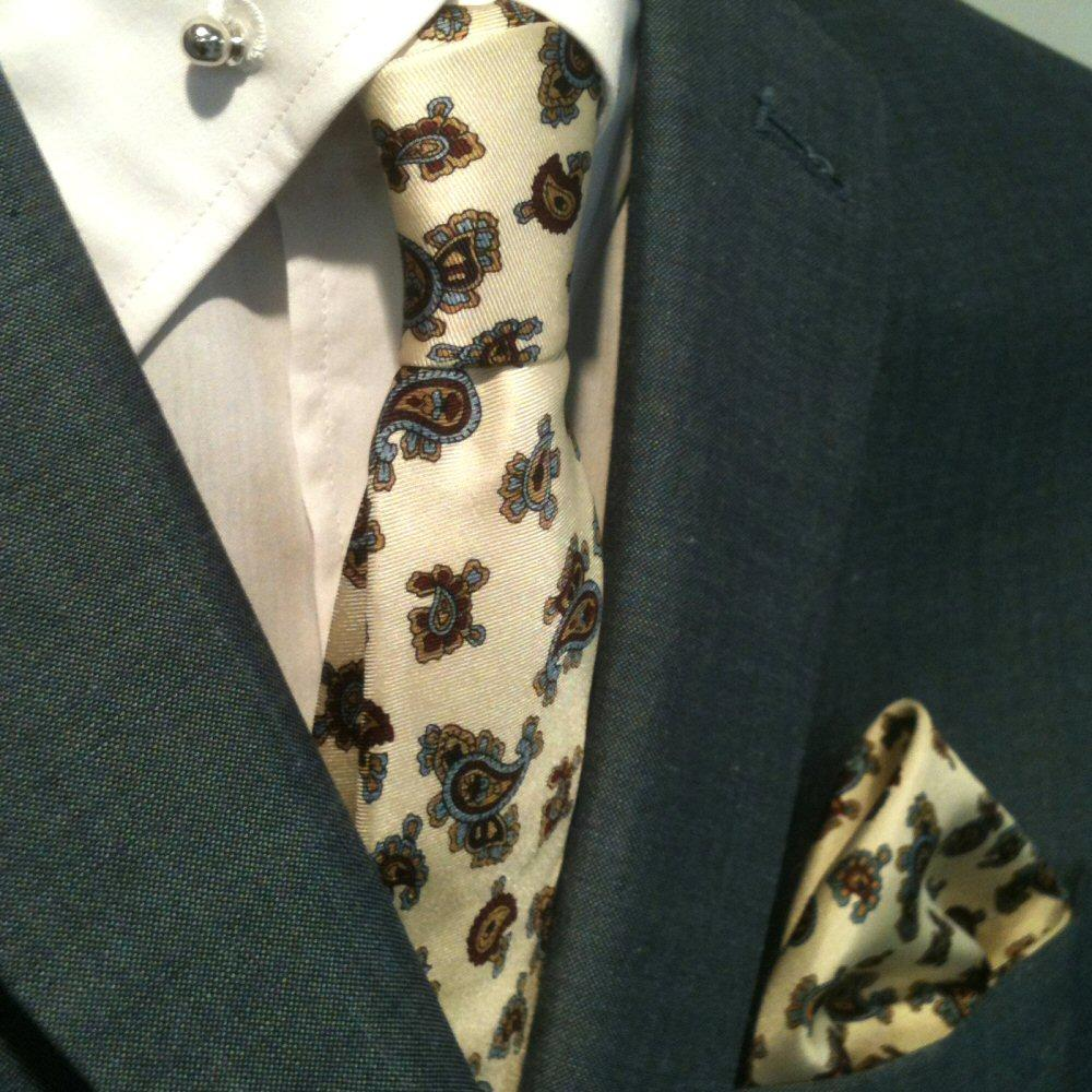 Knightsbridge Retro Mod 60's Matching Paisley Silk Slim Tie and Pocket Square Of