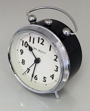 Attractive Vintage Retro Traditional Chunky Black Silver Beep Alarm Clock Bedroom  Bedside