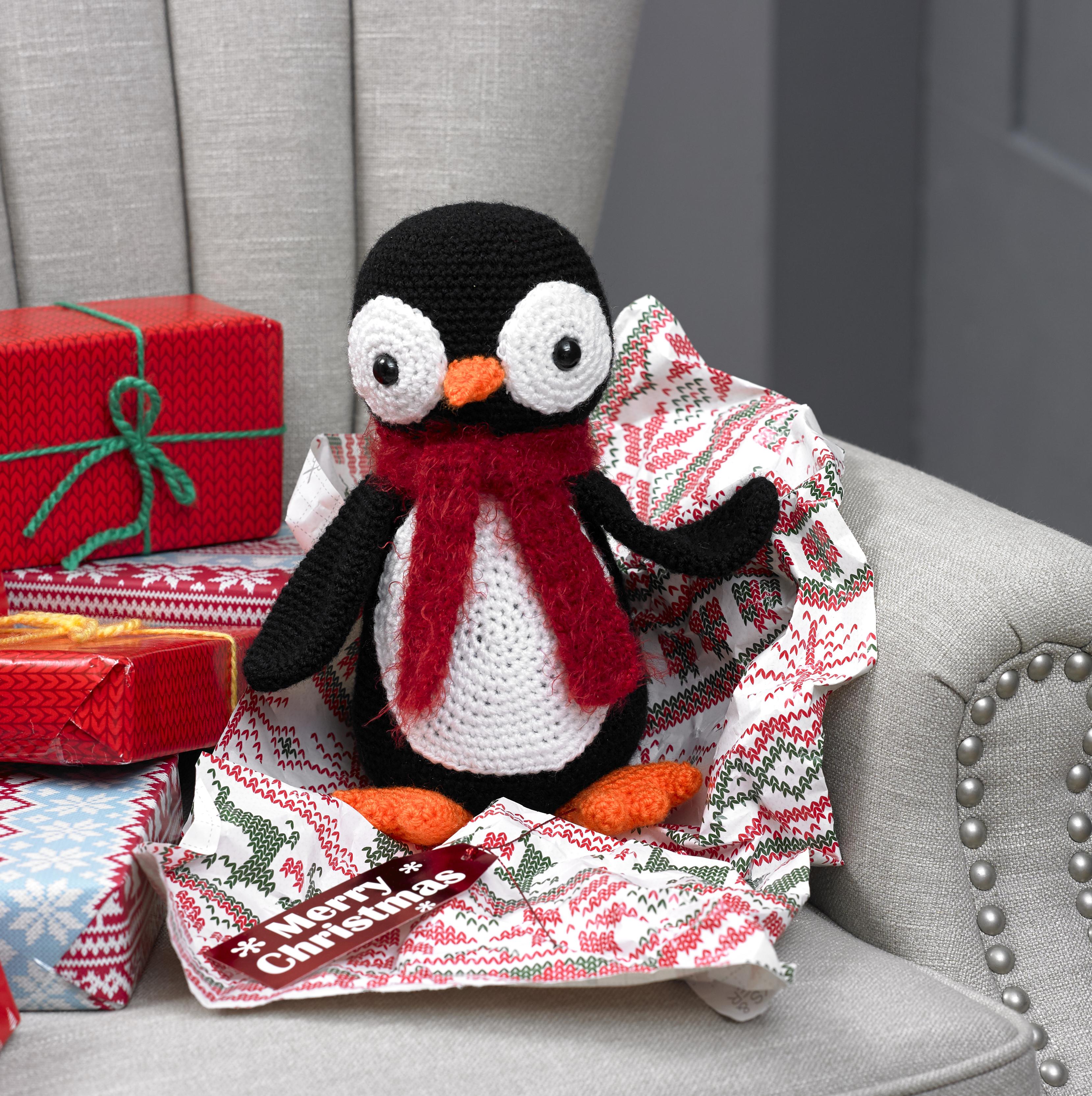 Weihnachten Häkelmuster Book 3 King Cole Krippe Spielzeug Pinguin ...