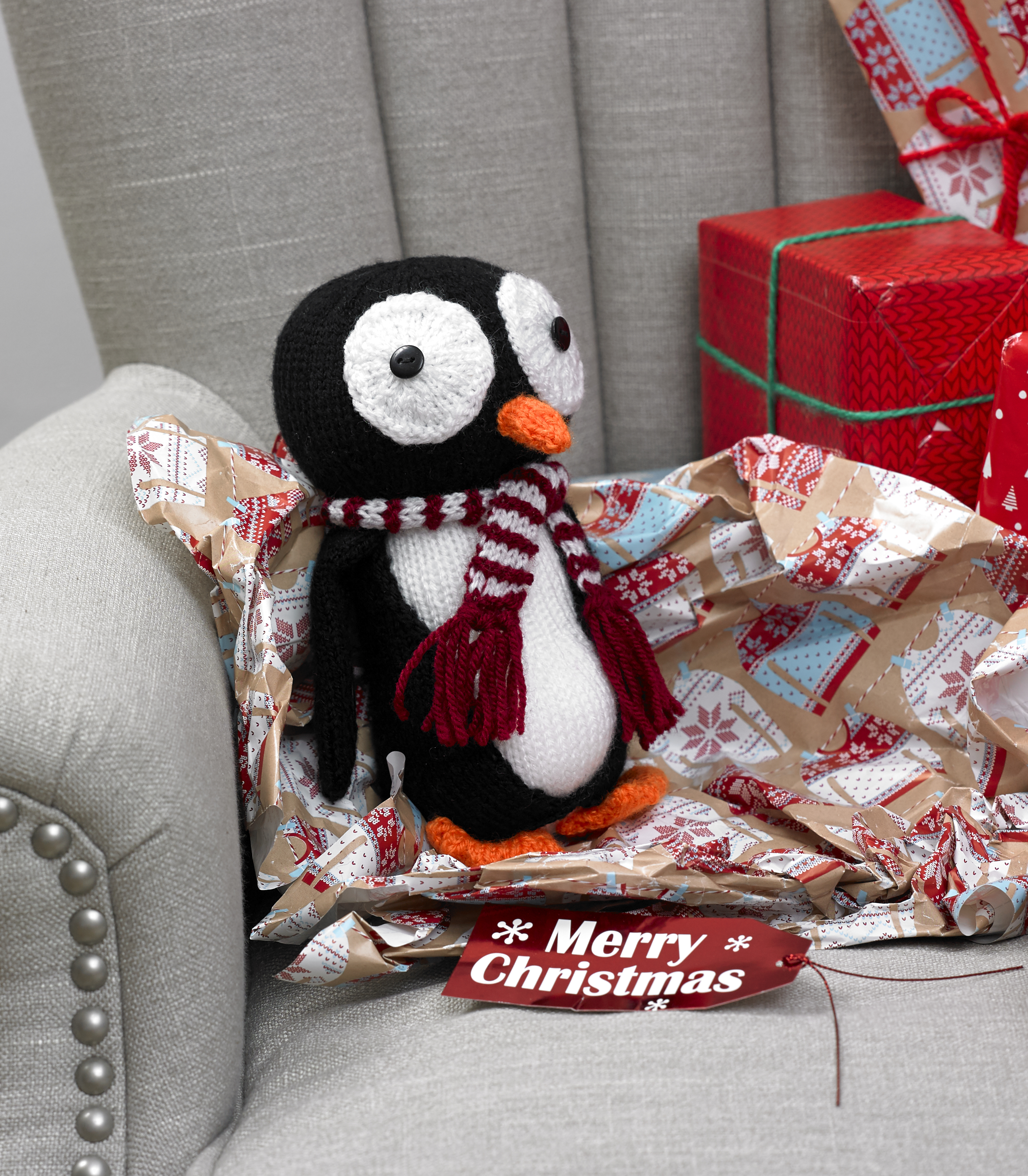 Christmas Knits Book 5 King Cole Penguin Toy Baubles Gift Bag ...