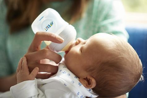 Avent Natural Infant Latch On Anti-Colic Baby Feeding Milk Bottle 125ml  Thumbnail 8