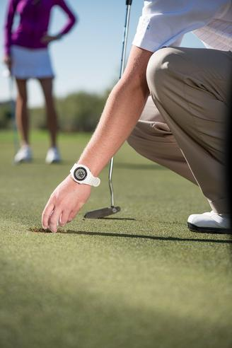 Garmin S1 Approach Golf GPS Rangefinder Watch Black 7400+ Preloaded Golf Courses Thumbnail 3