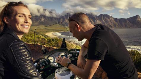 TomTom Rider 420 Motorcycle GPS-SatNav Navigation Bluetooth *Lifetime EU Map+Traffic+Camera Alerts Thumbnail 3