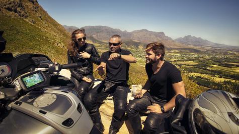 TomTom Rider 420 Motorcycle GPS-SatNav Navigation Bluetooth *Lifetime EU Map+Traffic+Camera Alerts Thumbnail 6