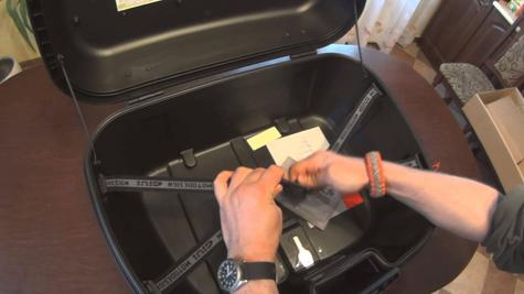 GIVI TRK52N Trekker|52L Universal Motorcycle Top Case|Monokey Aluminium HardBag Thumbnail 5