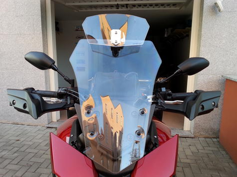 Givi S180T|Universal Transparent Spoiler|Motorcycle Wind Screen Deflector/Shield Thumbnail 3
