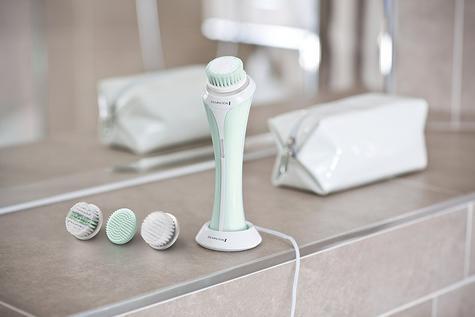 Remington Reveal Facial Cleansing Exfoliating Brush/Comb | 3x Brush Heads | Washable Thumbnail 3