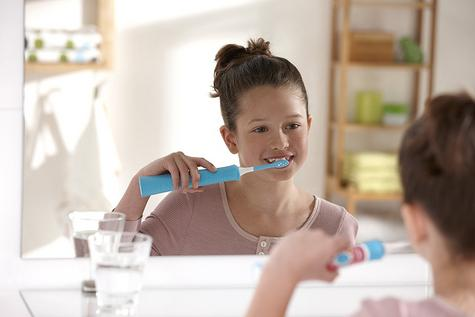 Philips Sonicare Electric Rechargeable Toothbrush | Kids Oral | Age Appropriate Head Thumbnail 6