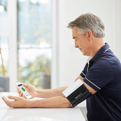 Qardio Arm Wireless Smart Blood Pressure Monitor | Compact & Portable | Multiple Use Thumbnail 5