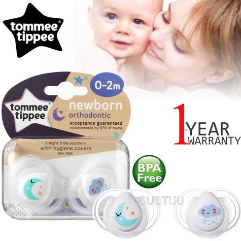 Tommee Tippee Closer to Nature Newborns Night Time Soother 0-2m | Dummy | Pack Of 2 Thumbnail 1