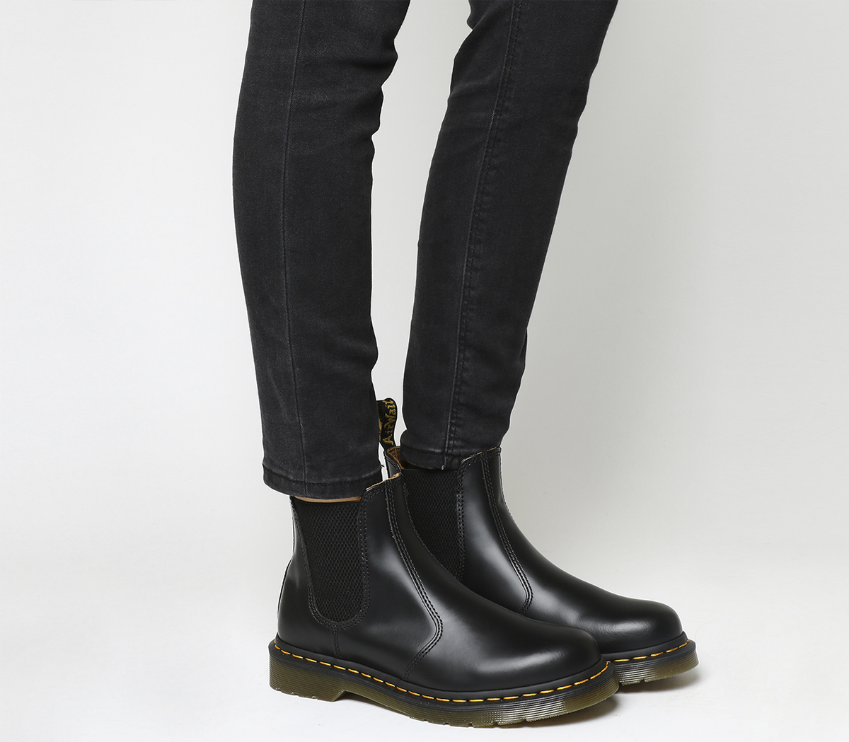 Sentinel Womens Dr. Martens 2976 Chelsea Boots Black Smooth Leather Boots 9da1f0341