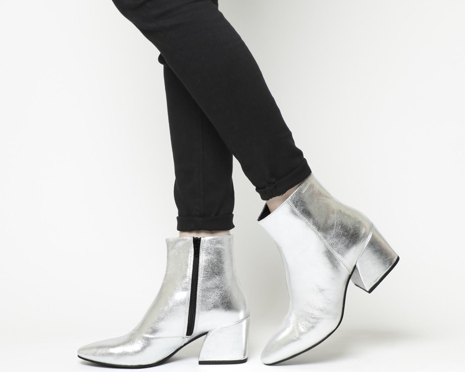 f90eb479e443 Sentinel Womens Vagabond Olivia Block Heel Boots Silver Leather Boots