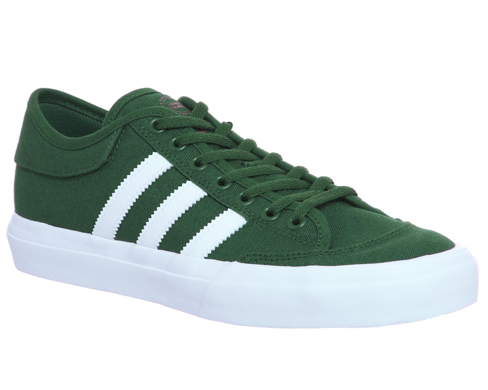 wholesale dealer e7f2c e27bf SENTINEL Scarpe Adidas Matchcourt istruttori gomma bianca verde nobile  formatori