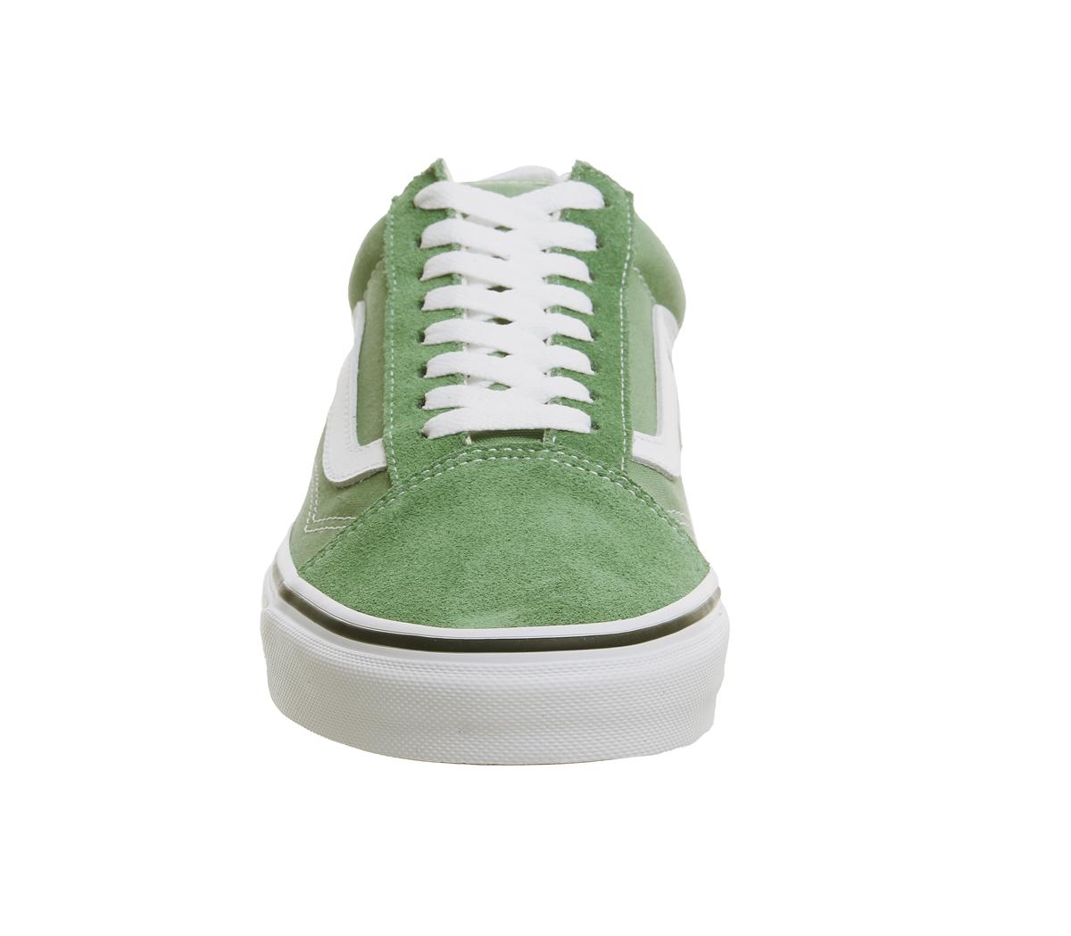 b005e9f21176ca Mens Vans Old Skool Trainers Deep Grass Green True White Trainers ...