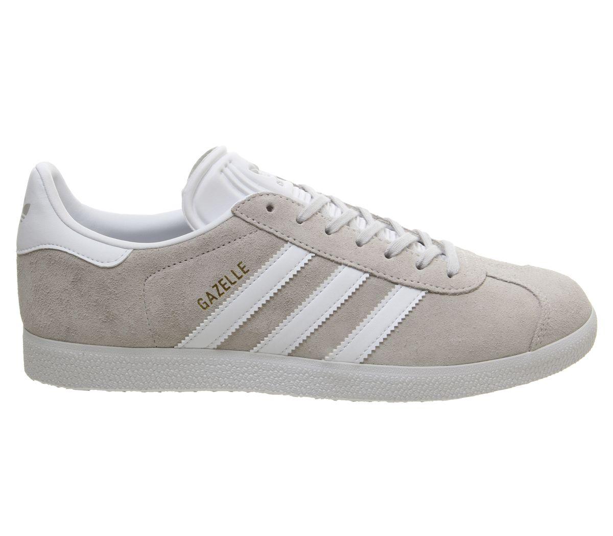 size 40 06d0a 5cbf9 SENTINELLE Hommes Adidas Gazelle formateurs nuage gris or blanc métallique  formateurs chaussures