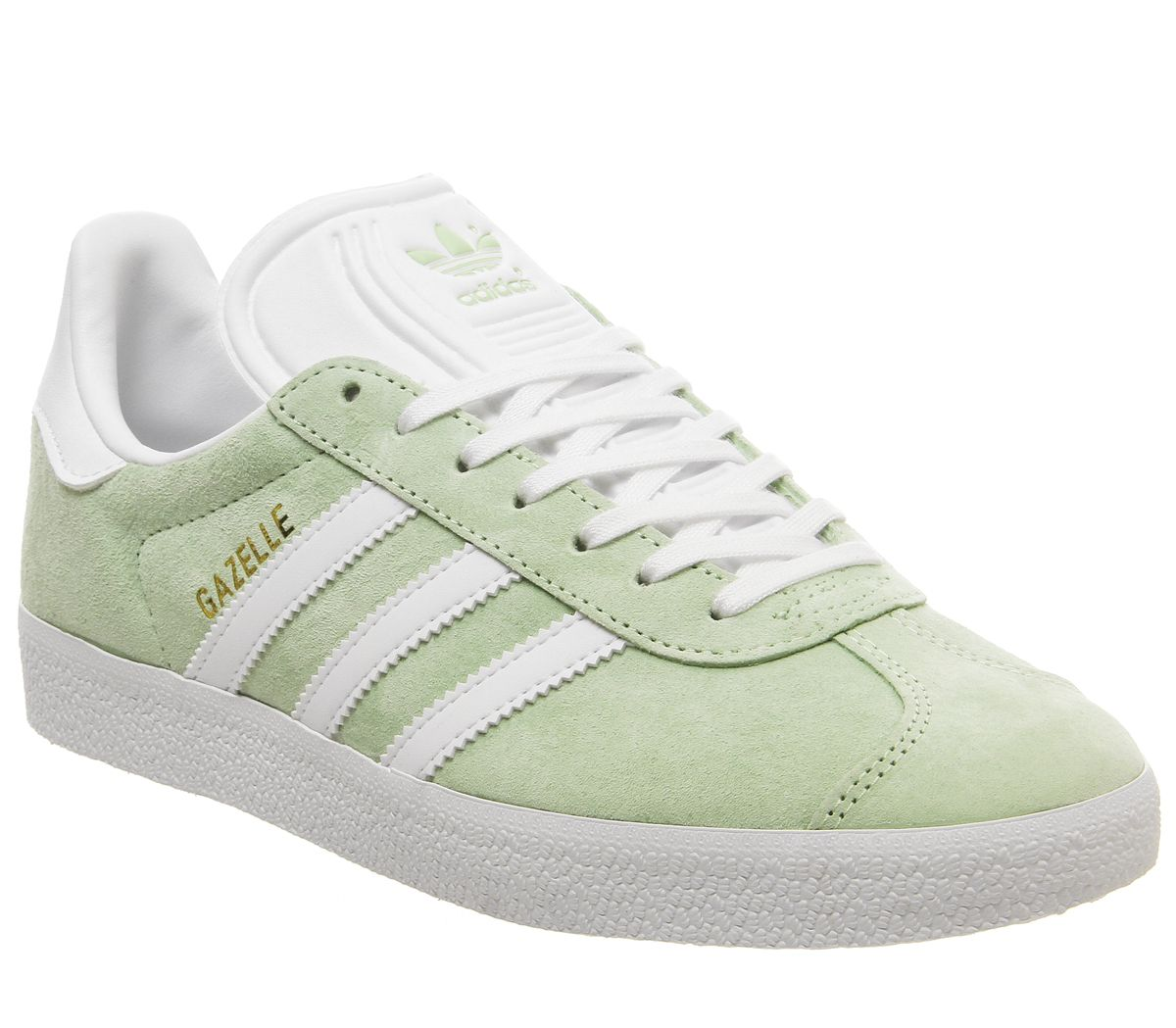 adidas Originals. GAZELLE Trainers easy greenwhite