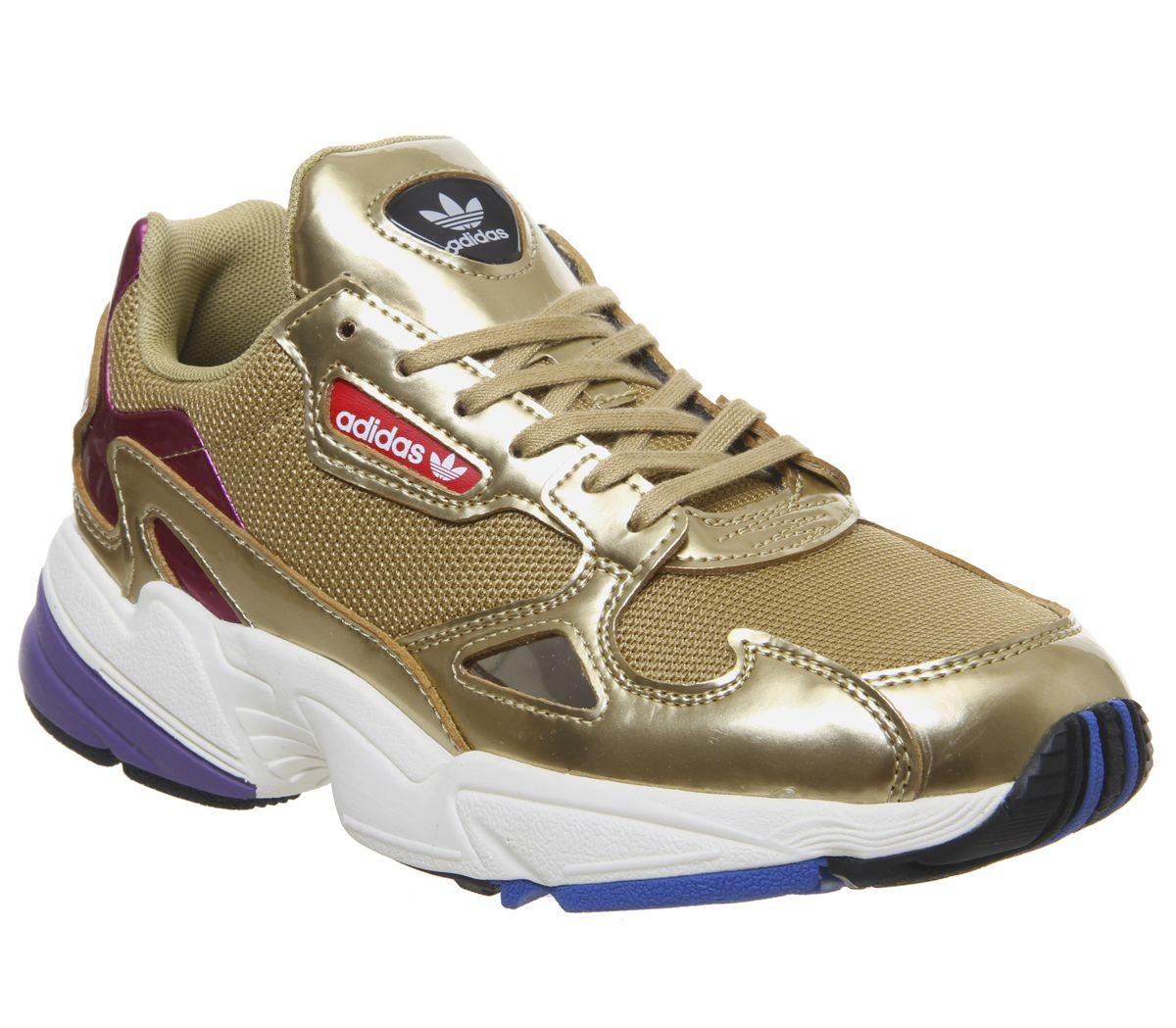 Détails sur Short Femme Adidas FALCON Baskets Or Métallique Blanc cassé Baskets Chaussures afficher le titre d'origine