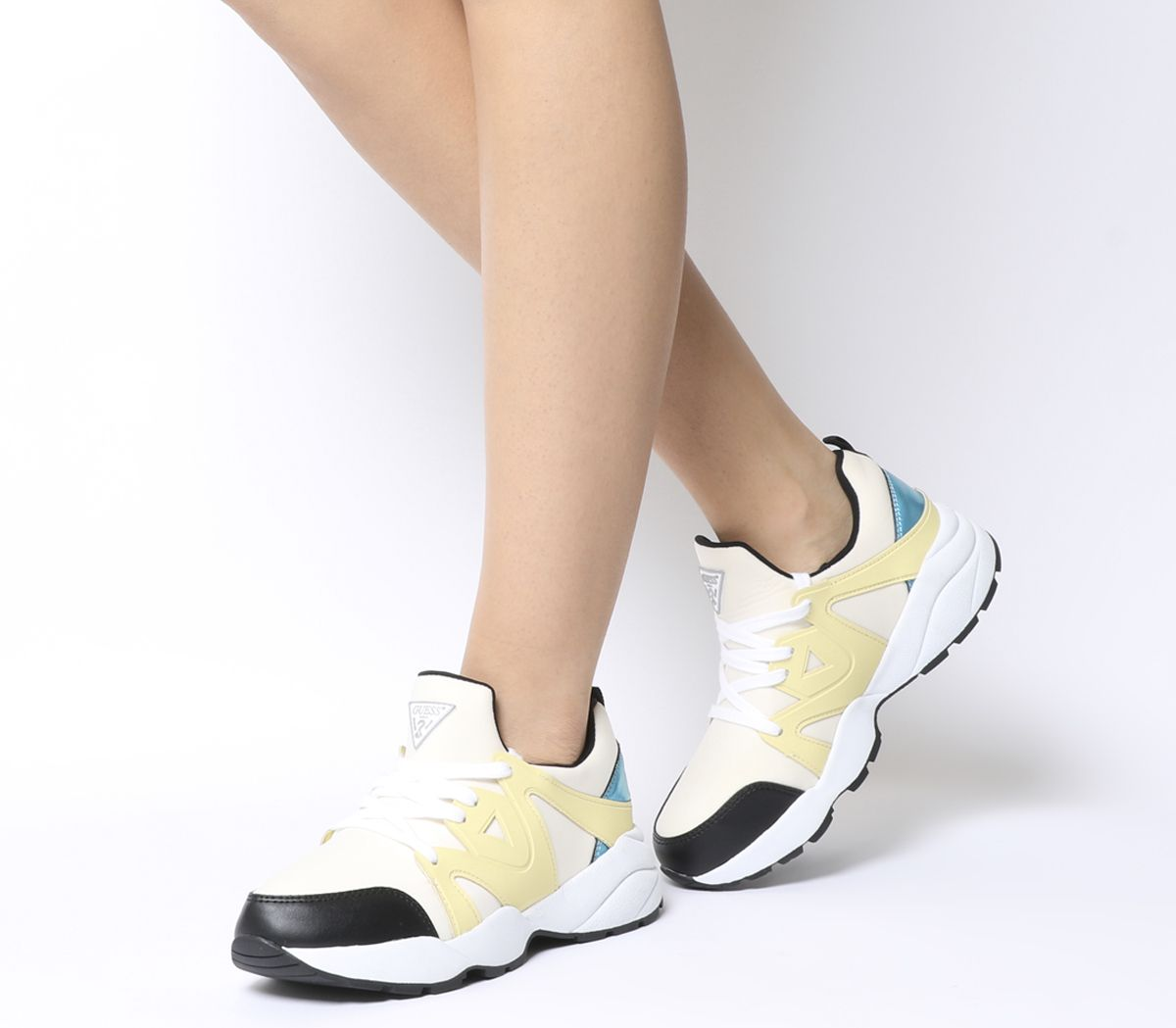 Detalles de Mujer Guess Semi Zapatillas Blanco Amarillo Azul Multicolor Planos
