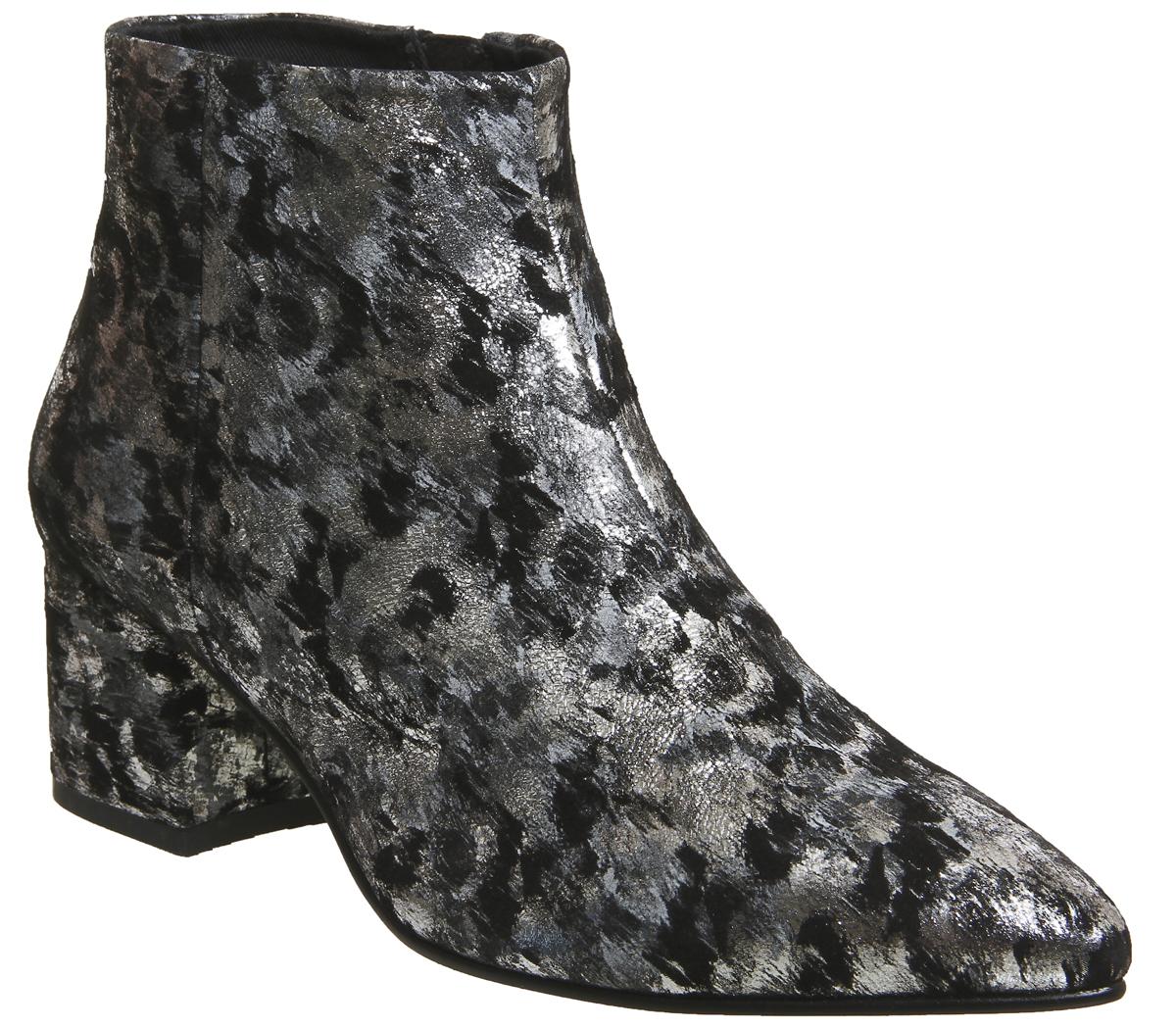 74254459c9 Womens-Vagabond-Mya-Boots-Black-Silver-Boots thumbnail 3