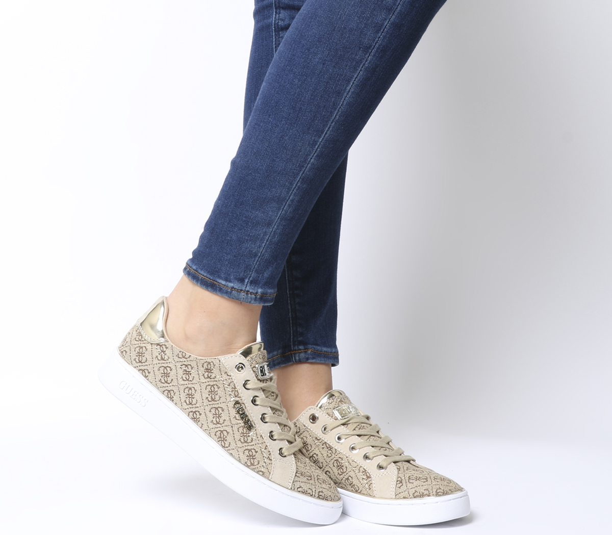 sale retailer 1d0e9 ecac7 Details about Womens Guess Beckie Sneakers Beige Logo Flats