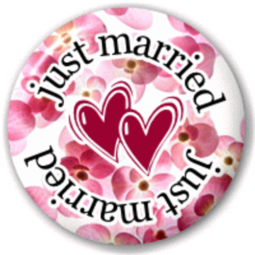 Small 25mm Lapel Pin Button Badge Novelty Just Married - Hearts