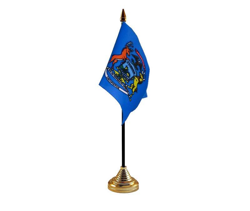 Michigan American State Hand Table or Waving Flag USA America