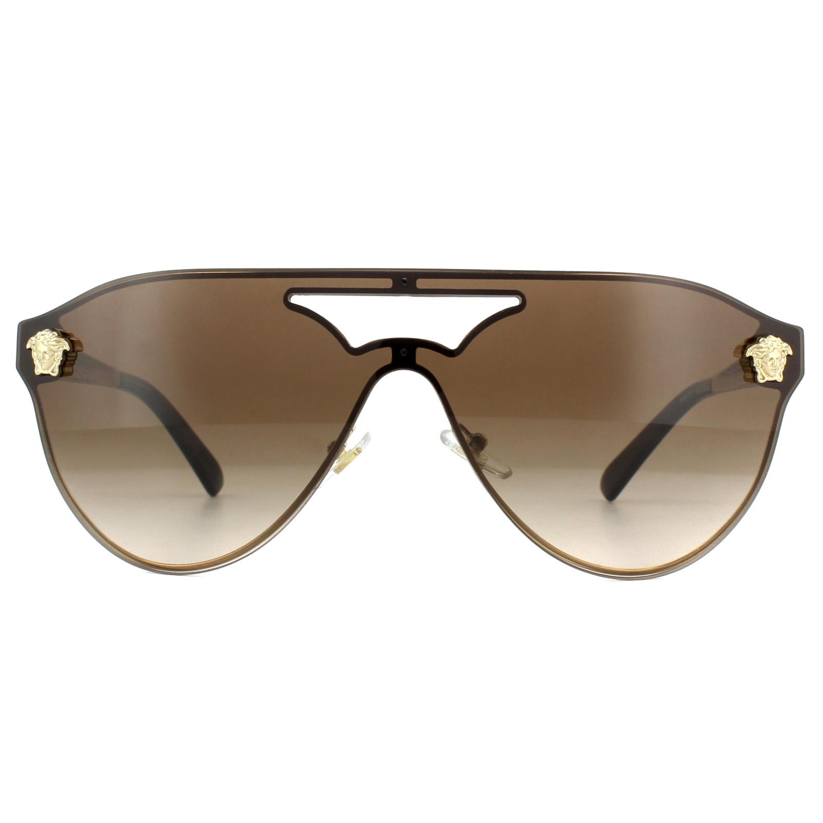f6f55dc117 Versace Occhiali da Sole Ve2161 125213 Pallido Gradiente Marrone Oro ...