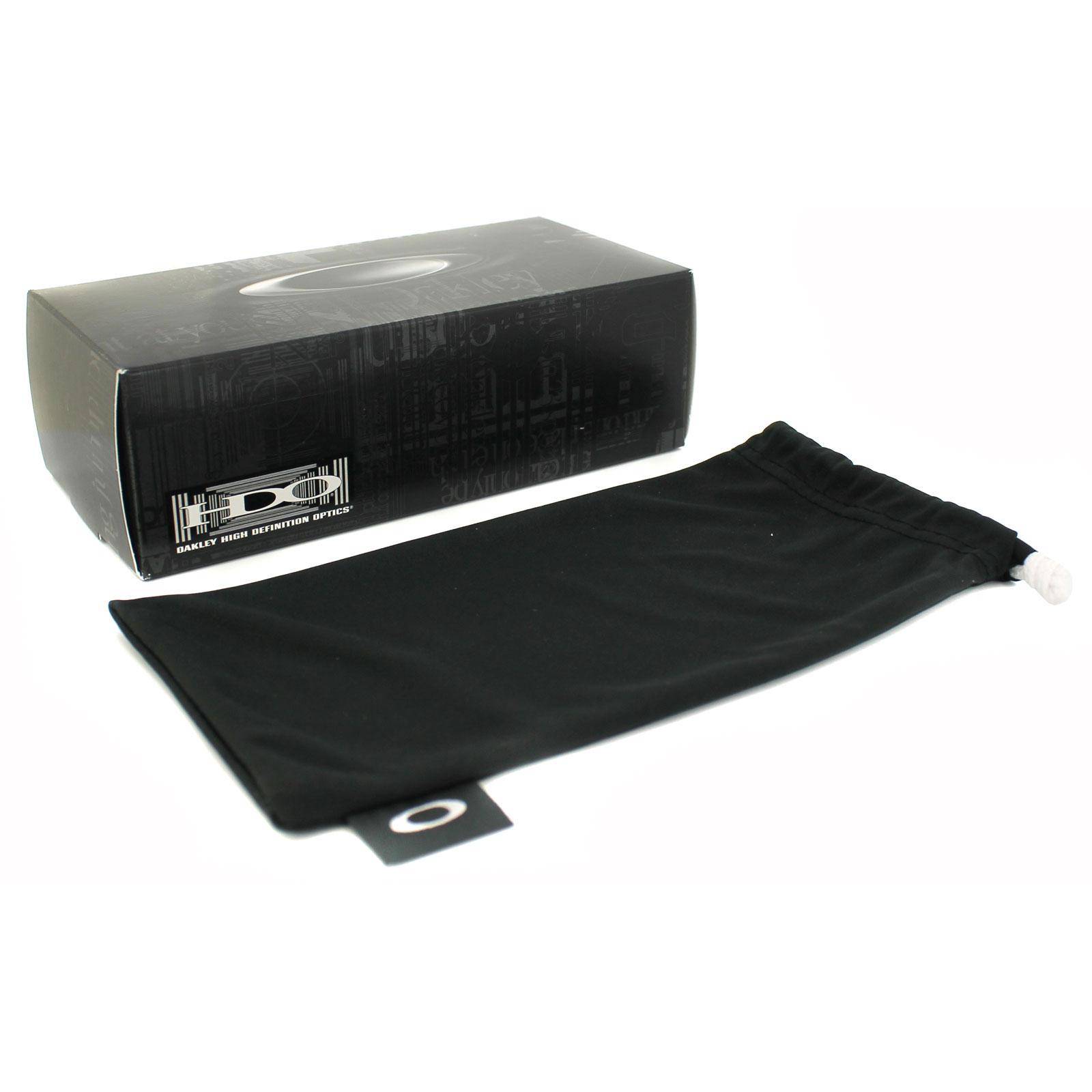 6ca109a4fa0 Sentinel Oakley Sunglasses Fuel Cell Polished black Warm Grey OO9096-01