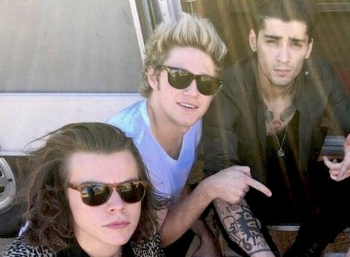 One Direction member wears Ray-Bans