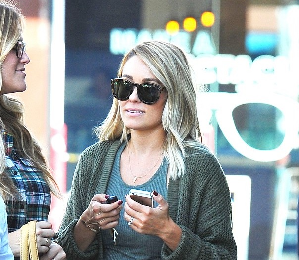 Lauren Conrad debuts new hair!