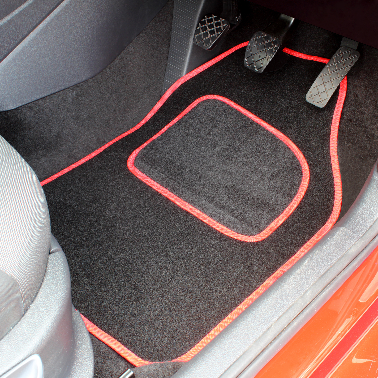 Sentinel BLACK & RED REPLACEMENT 4 PCE CAR MAT SET UNIVERSAL MATS TO FIT FRONT AND REAR