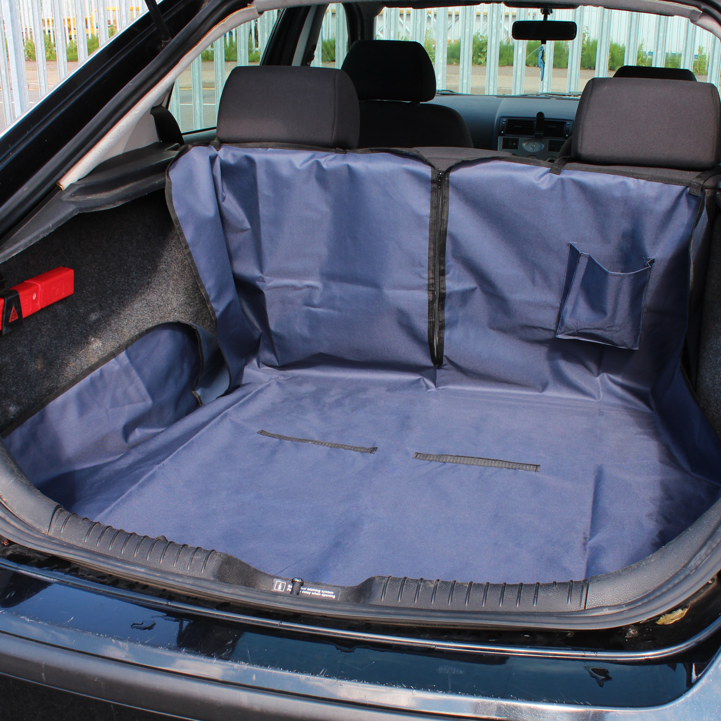 me my pet car boot liner rear seat cover protector spill proof dog puppy 4x4 ebay. Black Bedroom Furniture Sets. Home Design Ideas