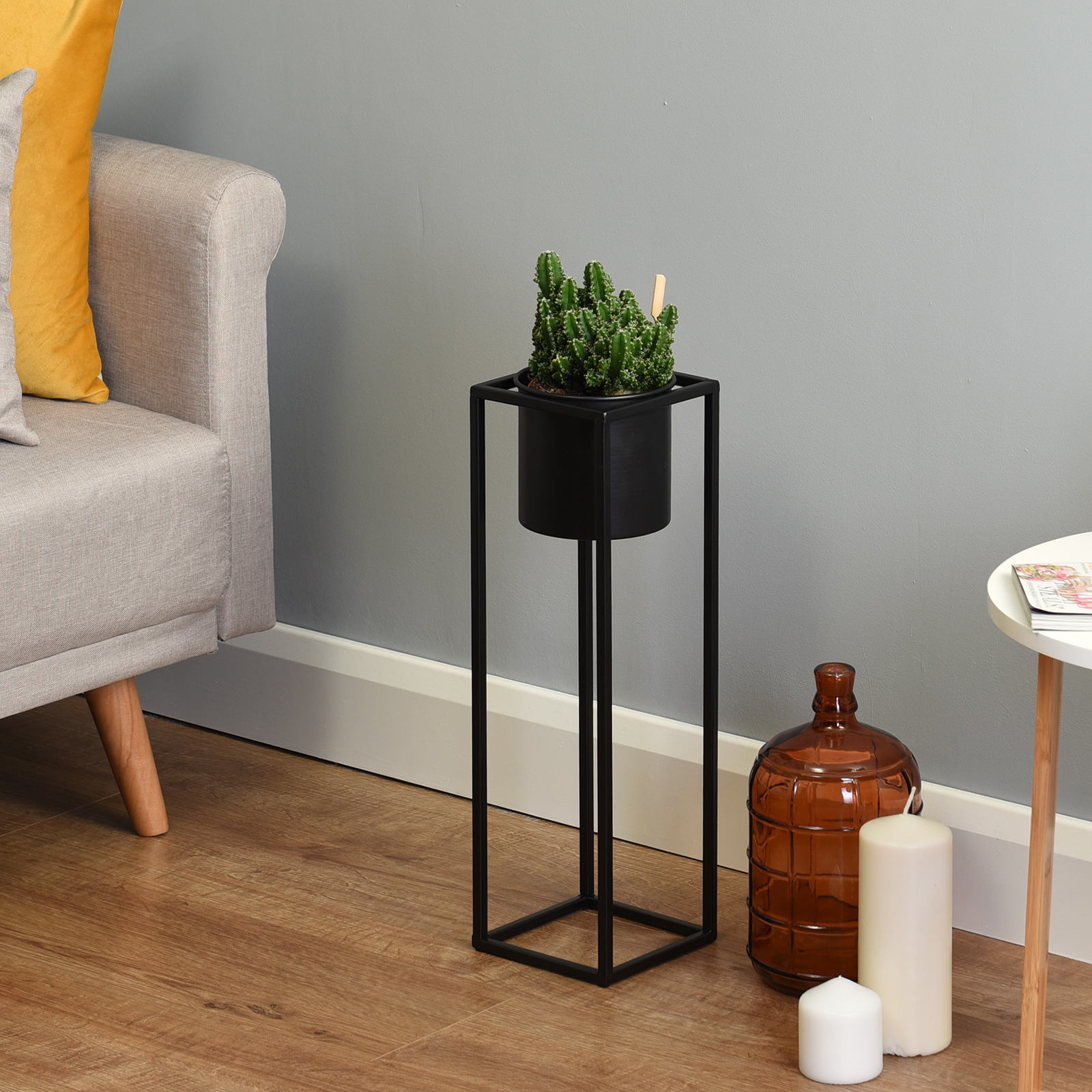 Hartleys-Small-Round-Freestanding-Black-Metal-Plant-Pot-Tall-Square-Floor-Stand thumbnail 10