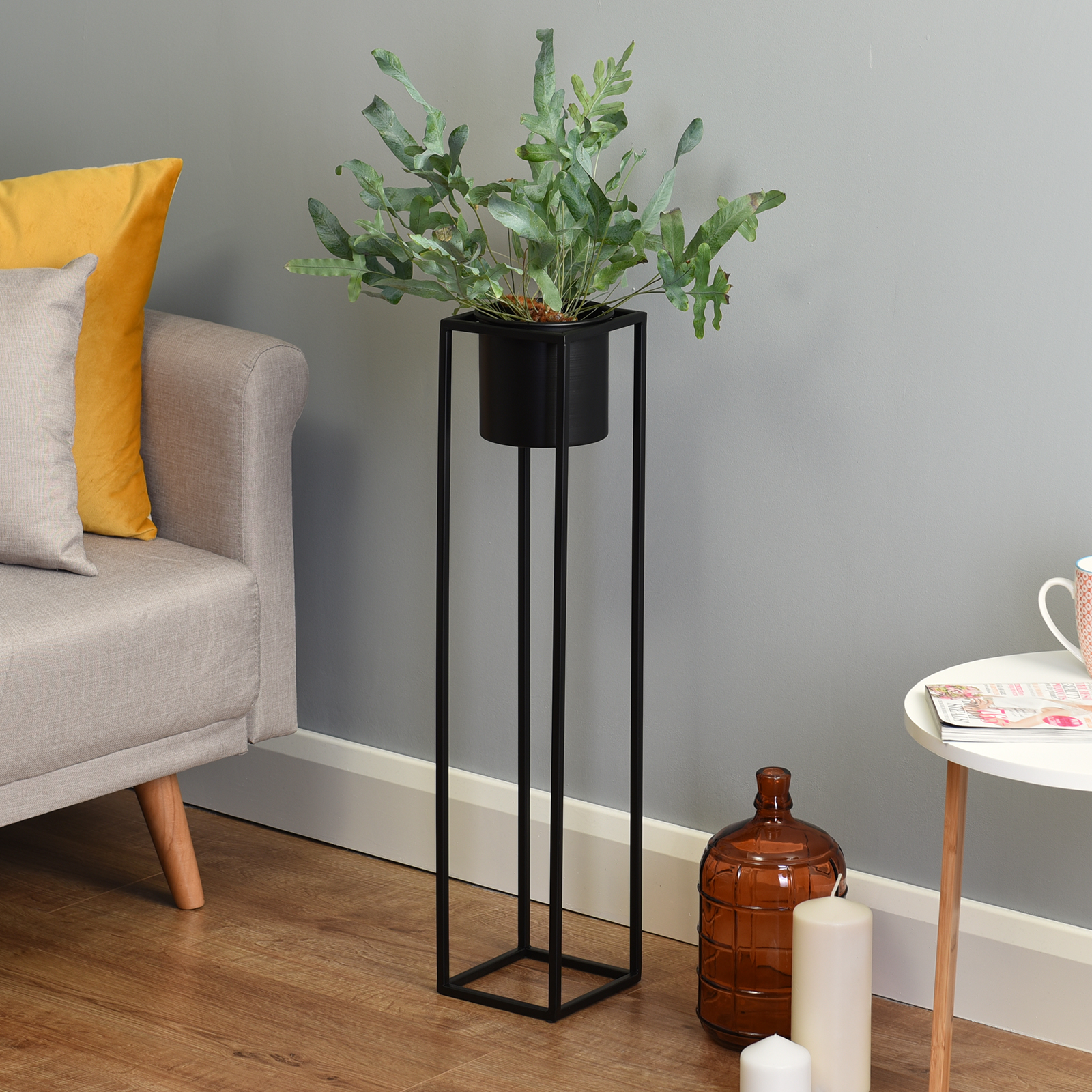 Hartleys-Small-Round-Freestanding-Black-Metal-Plant-Pot-Tall-Square-Floor-Stand thumbnail 17
