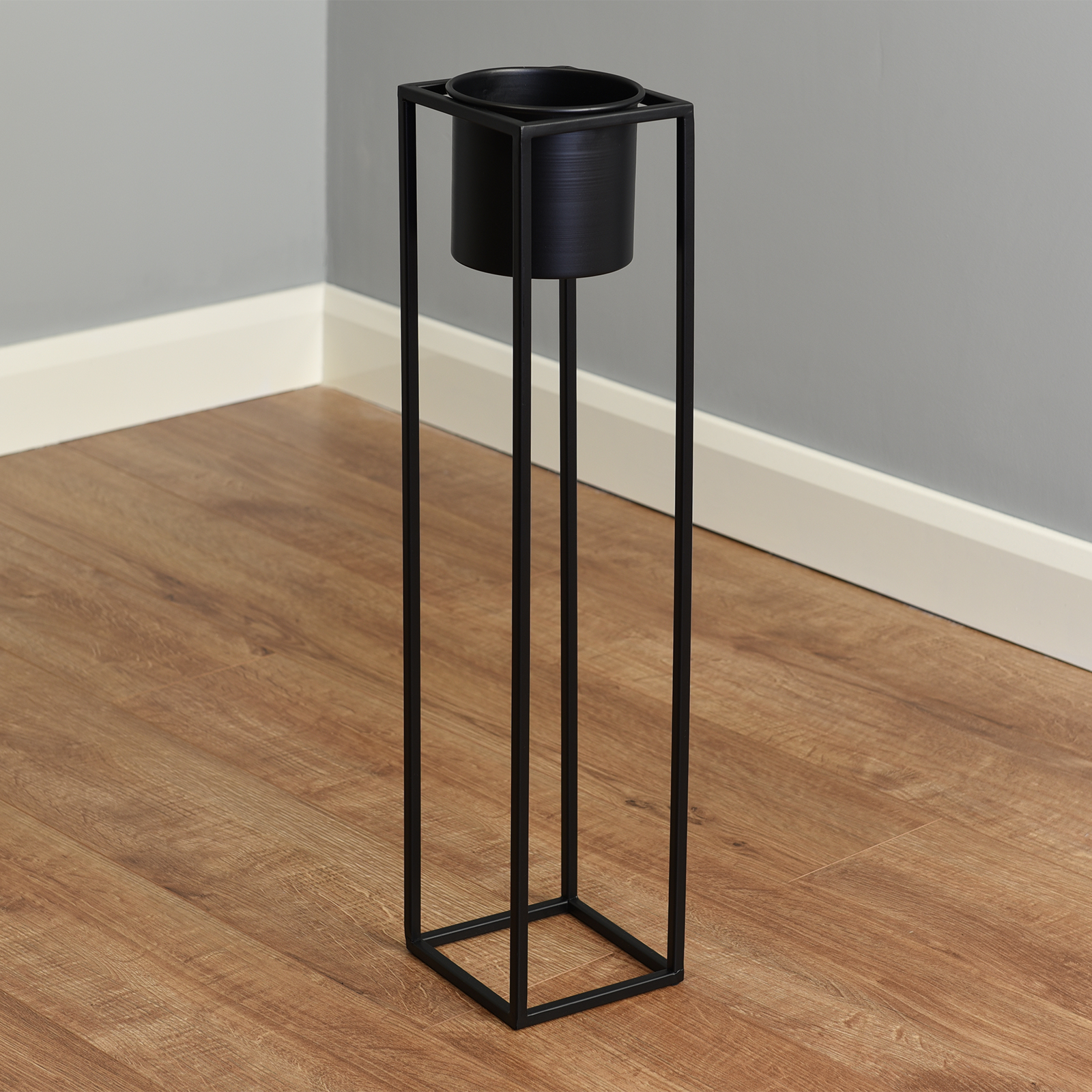 Hartleys-Small-Round-Freestanding-Black-Metal-Plant-Pot-Tall-Square-Floor-Stand thumbnail 19