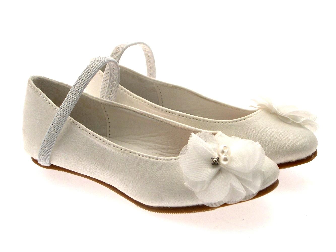e9076b1ee43 Girls Satin Wedding Bridesmaids Shoes Low Heel Party Flower Sandals ...