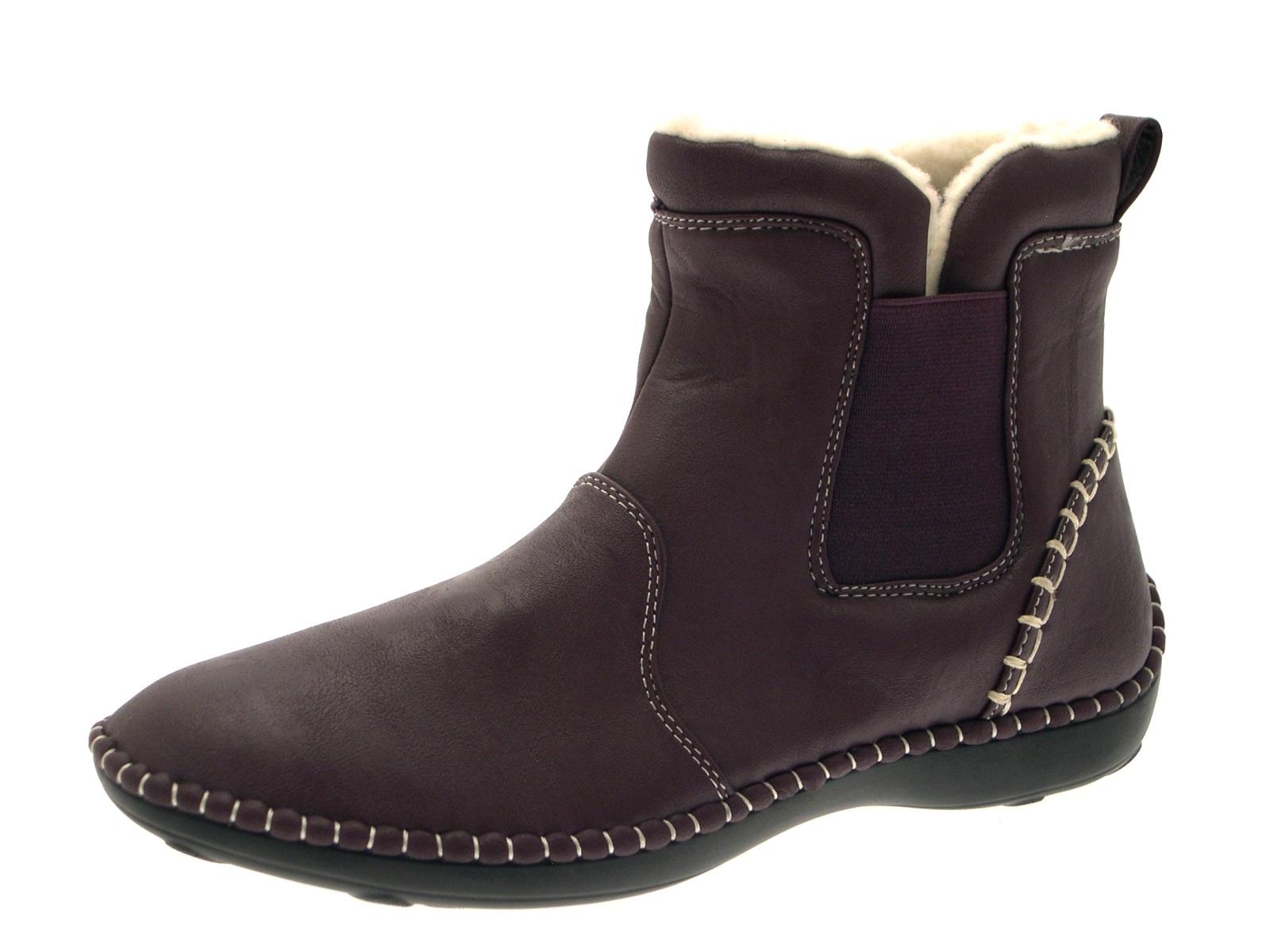 Ladies Flat Shoes Size  E