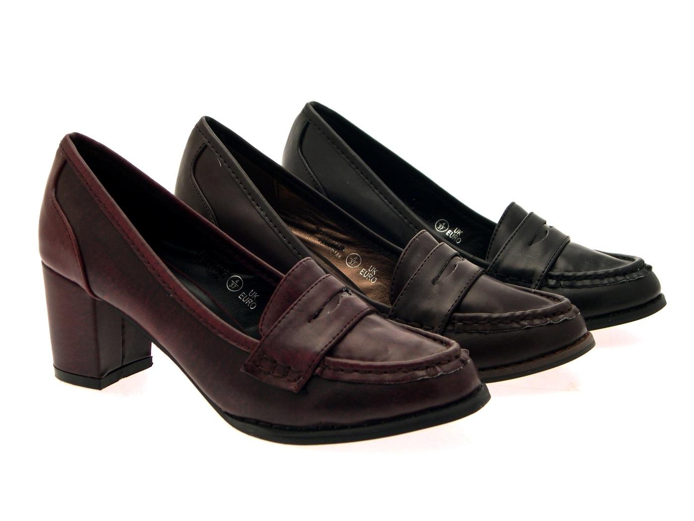 Loafers always add an extra dash of dapper to woman's look. Featuring loafers, penny loafers, boat shoe and oxfords style shoes, makeshop-mdrcky9h.ga has the top notch collection of women's loafers.
