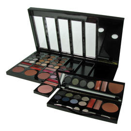 W7 Makeup Palette Eyeshadow Kit Beauty on the Go Colours Detachable Travel 55pc Preview