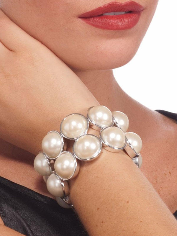 Vintage Pearl Bracelet Thumbnail 2