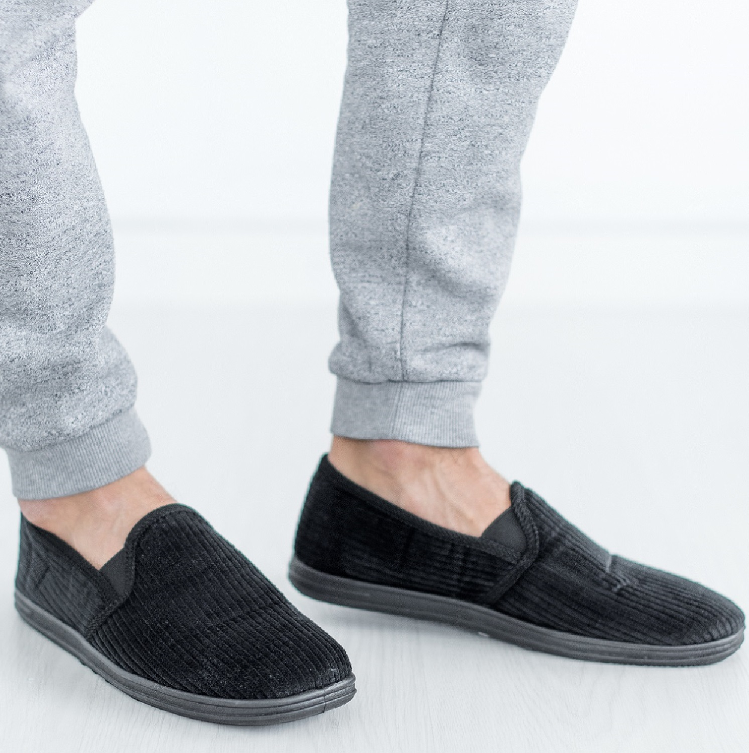 MENS SLIP ON SHOES BLACK STRIPED WARM INDOOR HARD SOLE COMFY SLIPPERS SIZE 6-12