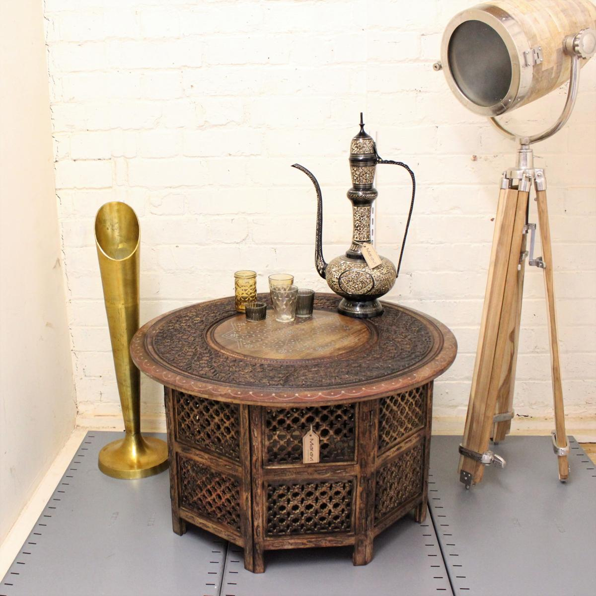 Sentinel Large Round Coffee Table Brown Solid Wooden Hand Carved Indian  Side Lamp Vintage
