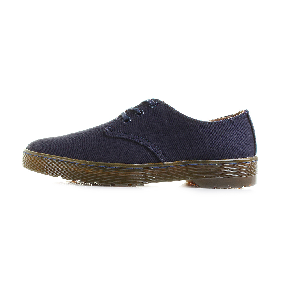 Part of our Cruise collection, Delray is a sleek and simple 3-eye shoe  crafted from overdyed twill canvas that's light, cool and durable.
