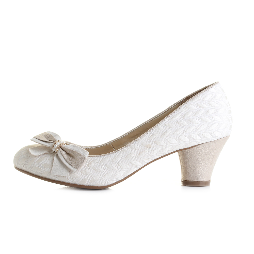 Cream Court Shoes Mid Heel