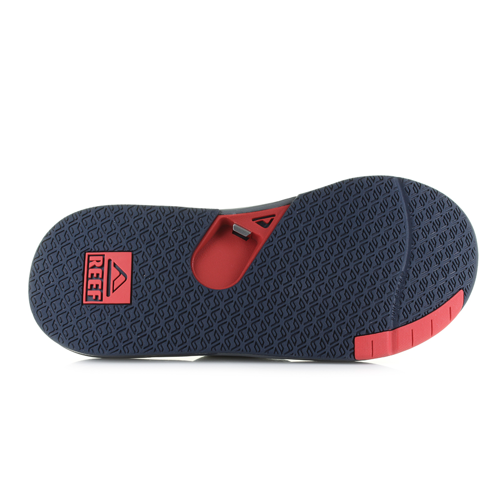 1e5a456e1e80 Fully equipped with a perforated and padded liner for breathability and  comfort
